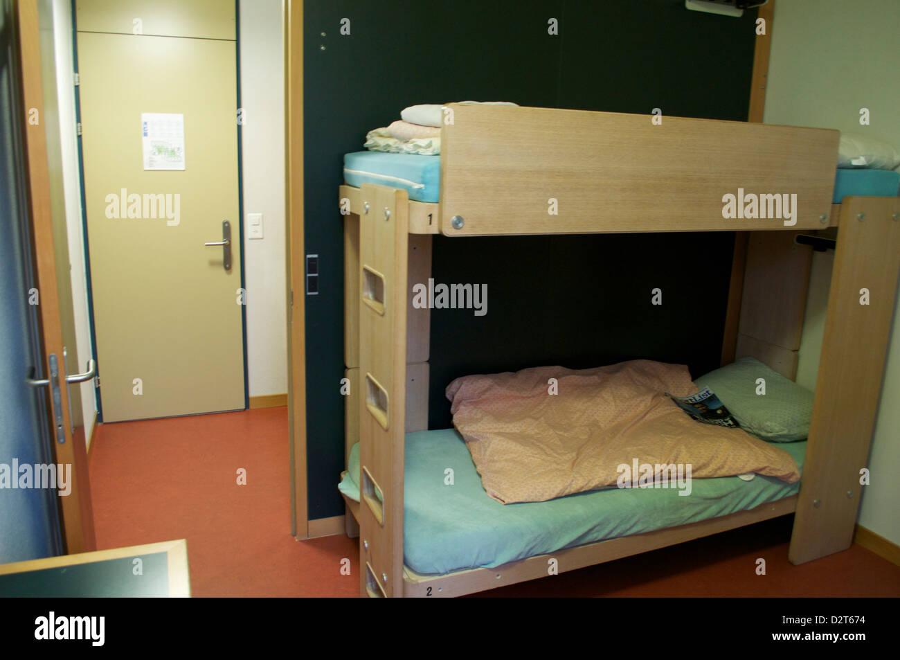 Etagenbett Jugendherberge : Stockbett für erwachsene etagenbett teilbar rollroste