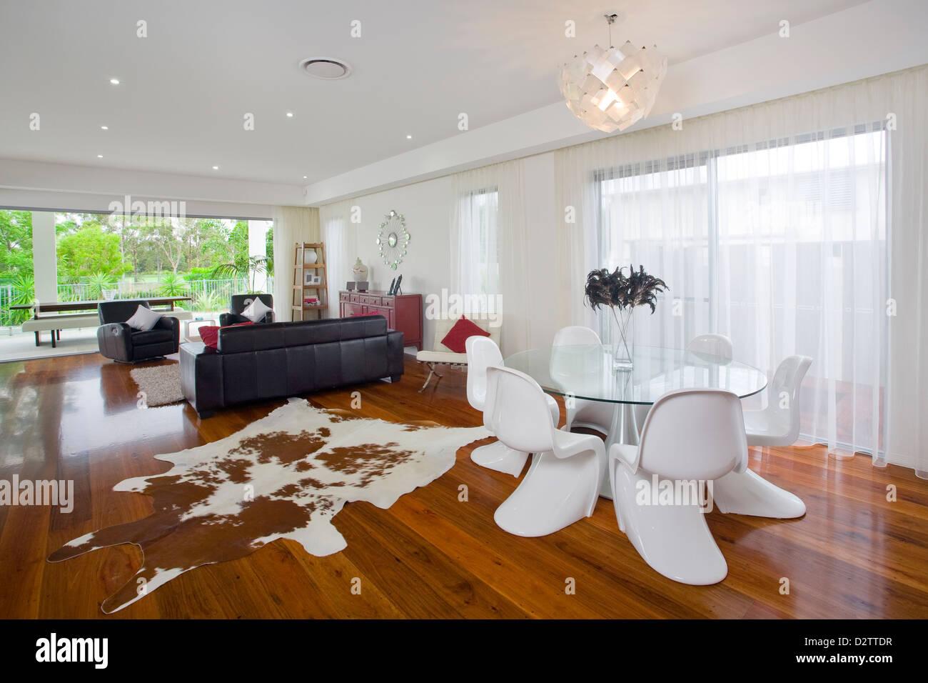 Fesselnd Modernes Wohnzimmer In Australischen Herrenhaus
