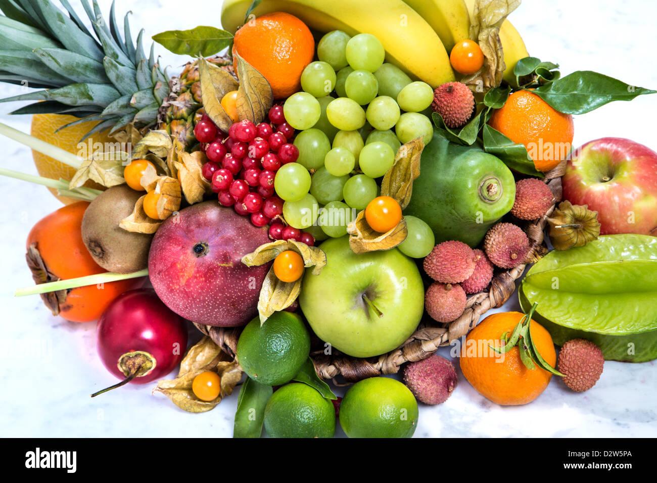 exotische Früchte verscheidenen Vitamine Stockbild