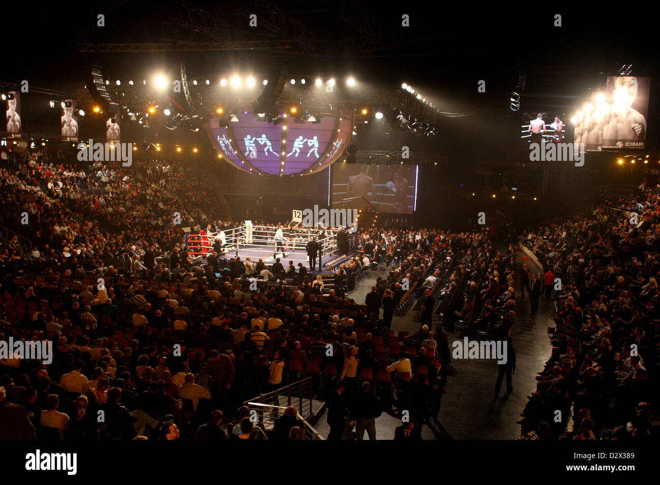 berlin germany boxing in max schmeling halle stockfotos berlin germany boxing in max schmeling. Black Bedroom Furniture Sets. Home Design Ideas
