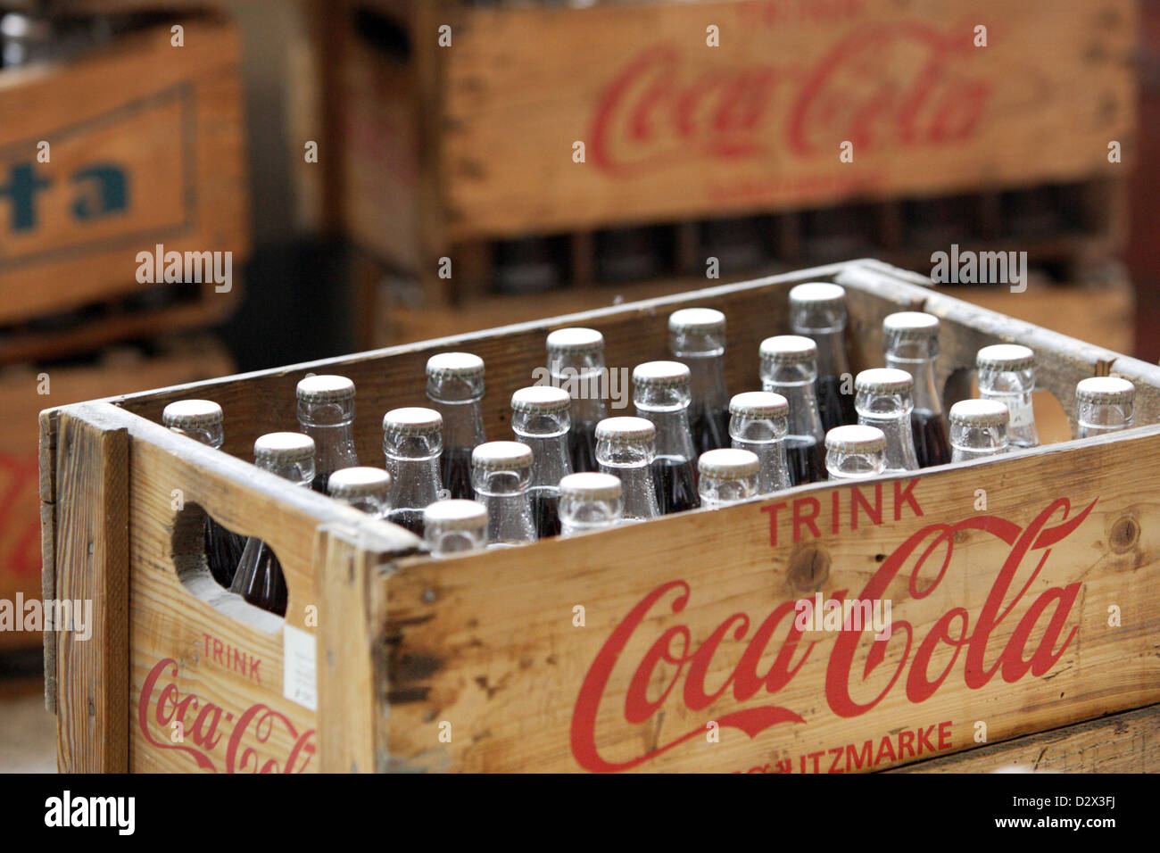 berlin deutschland alte coca cola kisten stockfoto bild 53433958 alamy. Black Bedroom Furniture Sets. Home Design Ideas