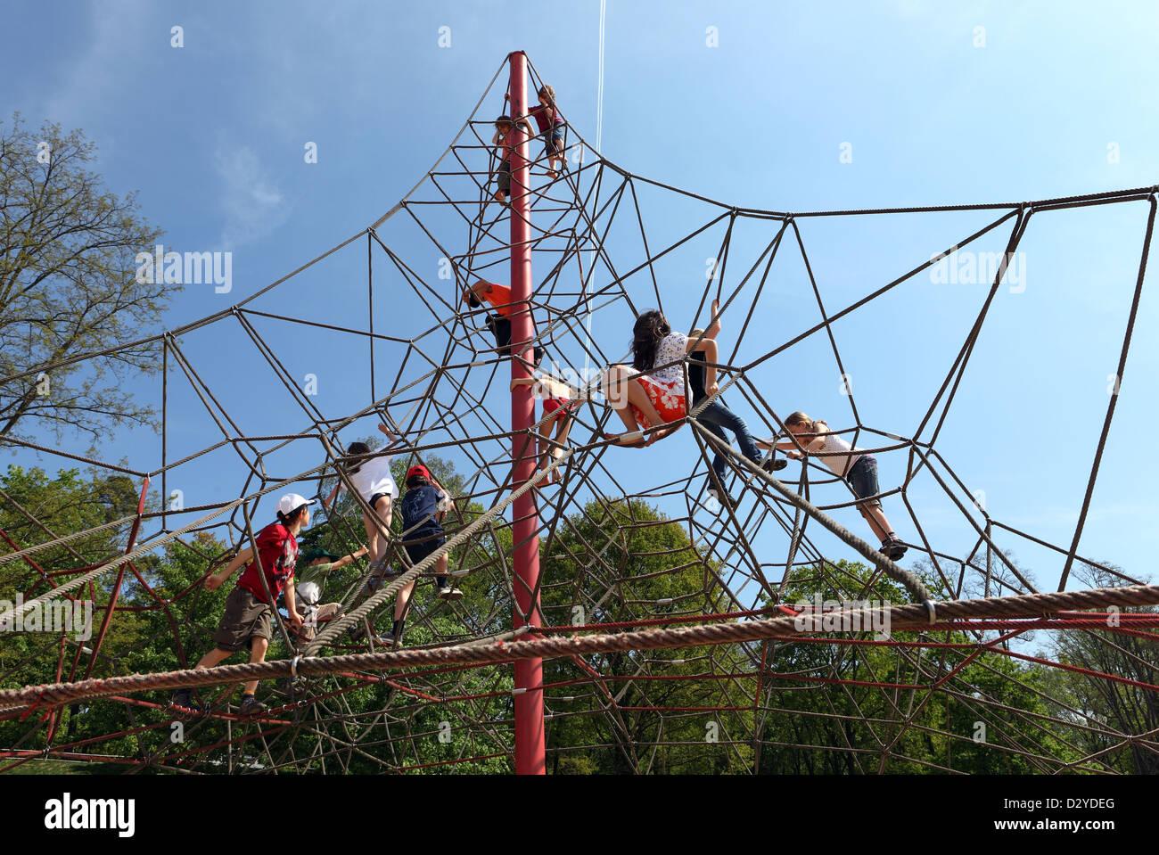 Klettergerüst Von Oben : Klettergerüst rutsche schaukel ebay kleinanzeigen