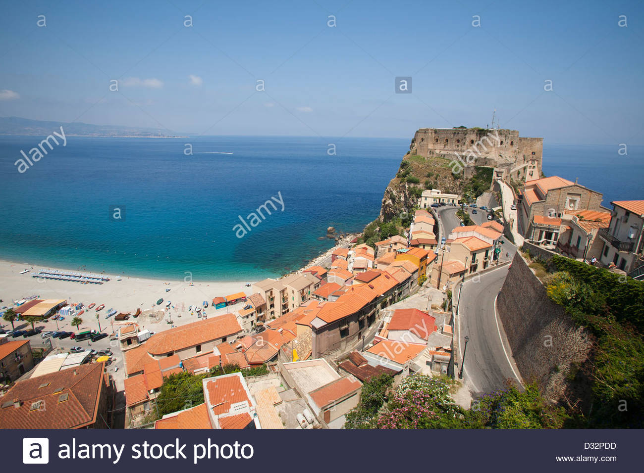 ruffo schloss scilla kalabrien italien stockfoto bild 53536601 alamy. Black Bedroom Furniture Sets. Home Design Ideas
