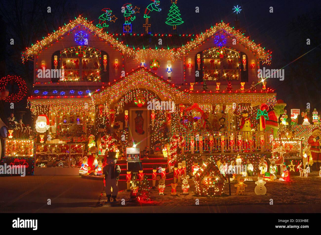 Haus Weihnachtsbeleuchtung.Haus In Bayside Queens New York Mit Sehr Aufwendigen