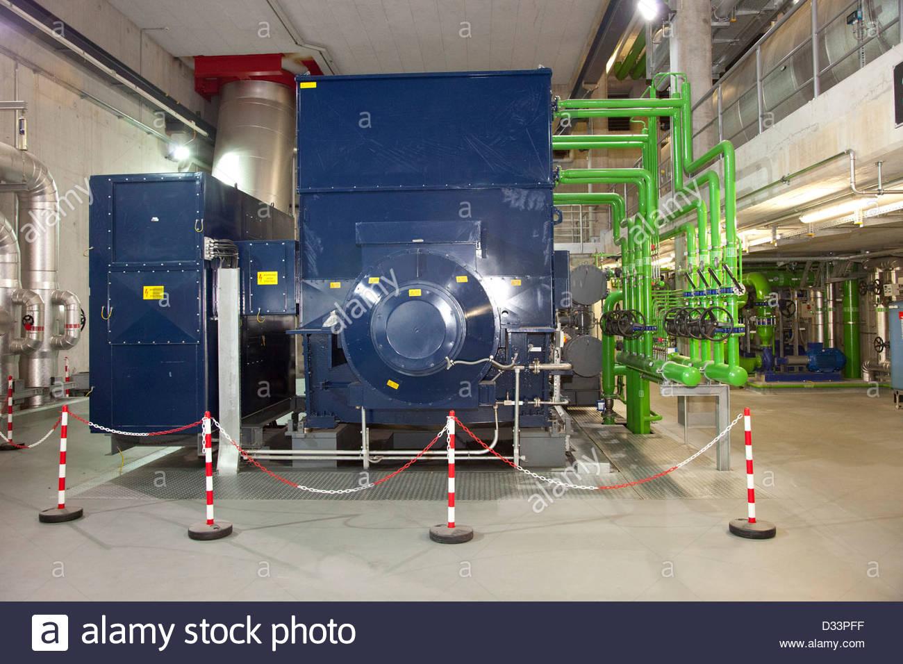 elektrischer Generator, Tridel sa, Anlagen für die thermische und elektrische Umwandlung von Müll, Lausanne, Stockbild