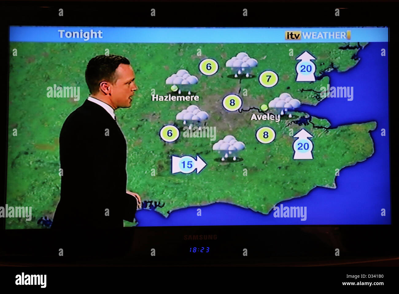 Wettervorhersage auf Samsung Flachbild-TV Stockbild