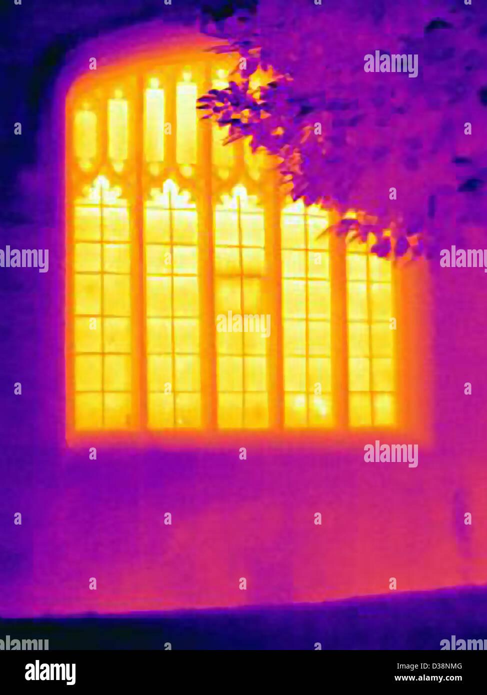 Wärmebild eines reich verzierten Fenster Stockbild