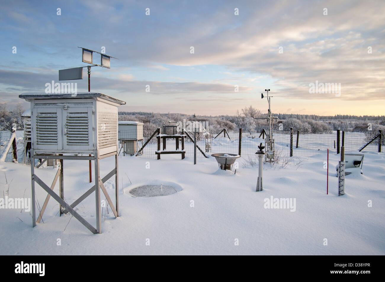 meteorological measuring instrument stockfotos. Black Bedroom Furniture Sets. Home Design Ideas