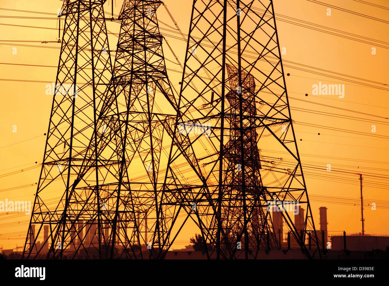 VAE Emirat von Abu Dabi Strom und Süßwasser aus Benzin Stockbild