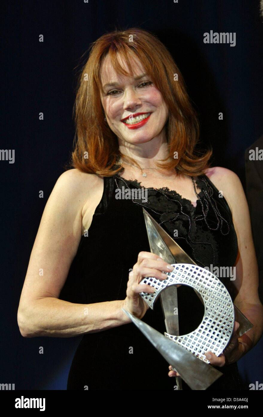 Dpa) - US-Schauspielerin Barbara Hershey mit dem Cine Merit Award im ...