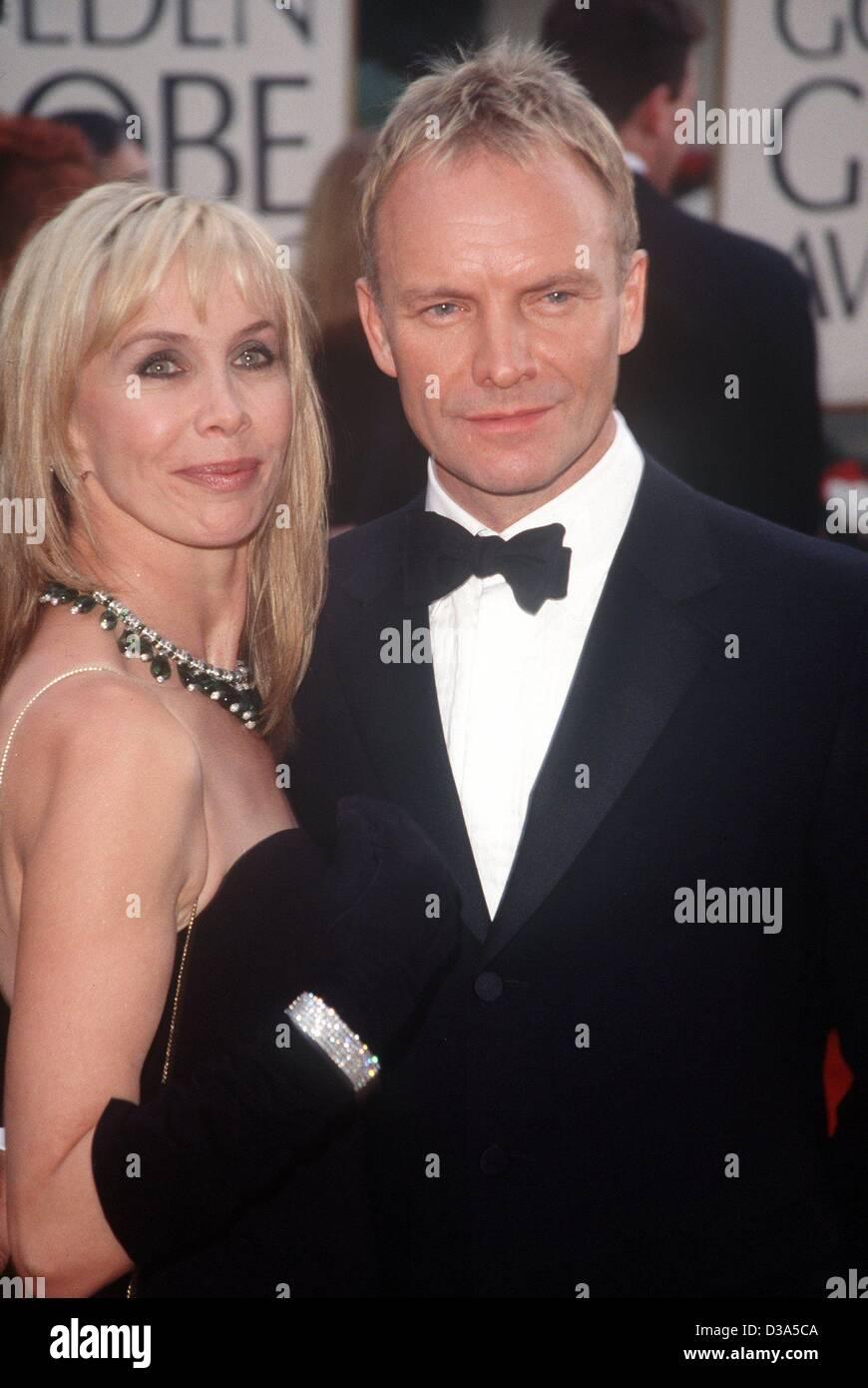 """(Dpa-Dateien) - britischer Rock-Musiker Sting und seine Frau Trudie Styler kommen bei den 58. Golden Globes in Beverly Hills, 21. Januar 2001. Sting wurde nominiert für seinen Song """"Meine lustigen Freund und mich"""" in """"Des Kaisers neue Groove"""" für den besten Original Song, aber nicht gewinnen. Stockfoto"""