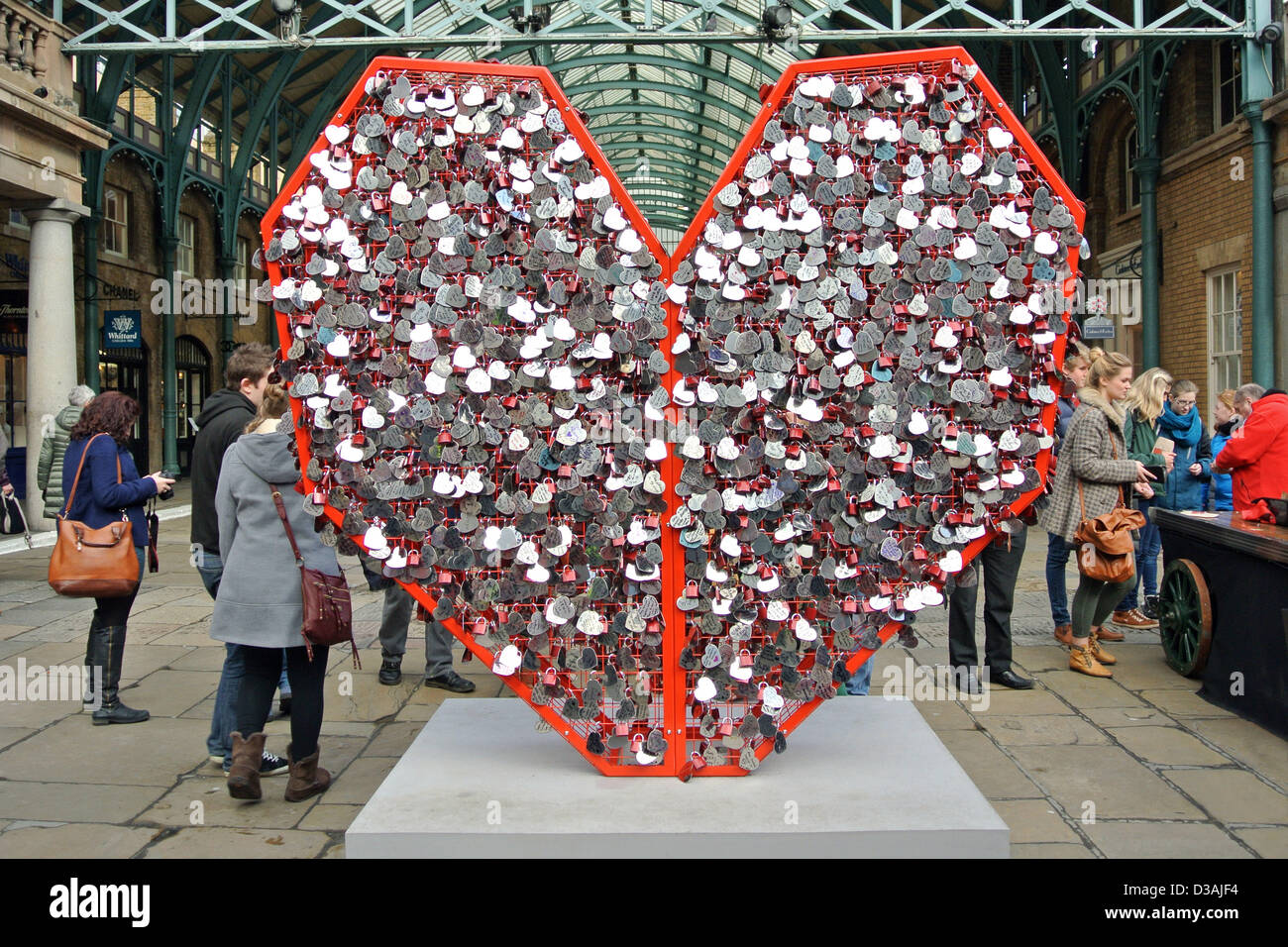 London, UK. 14. Februar 2013. British Heart Foundation Love ...
