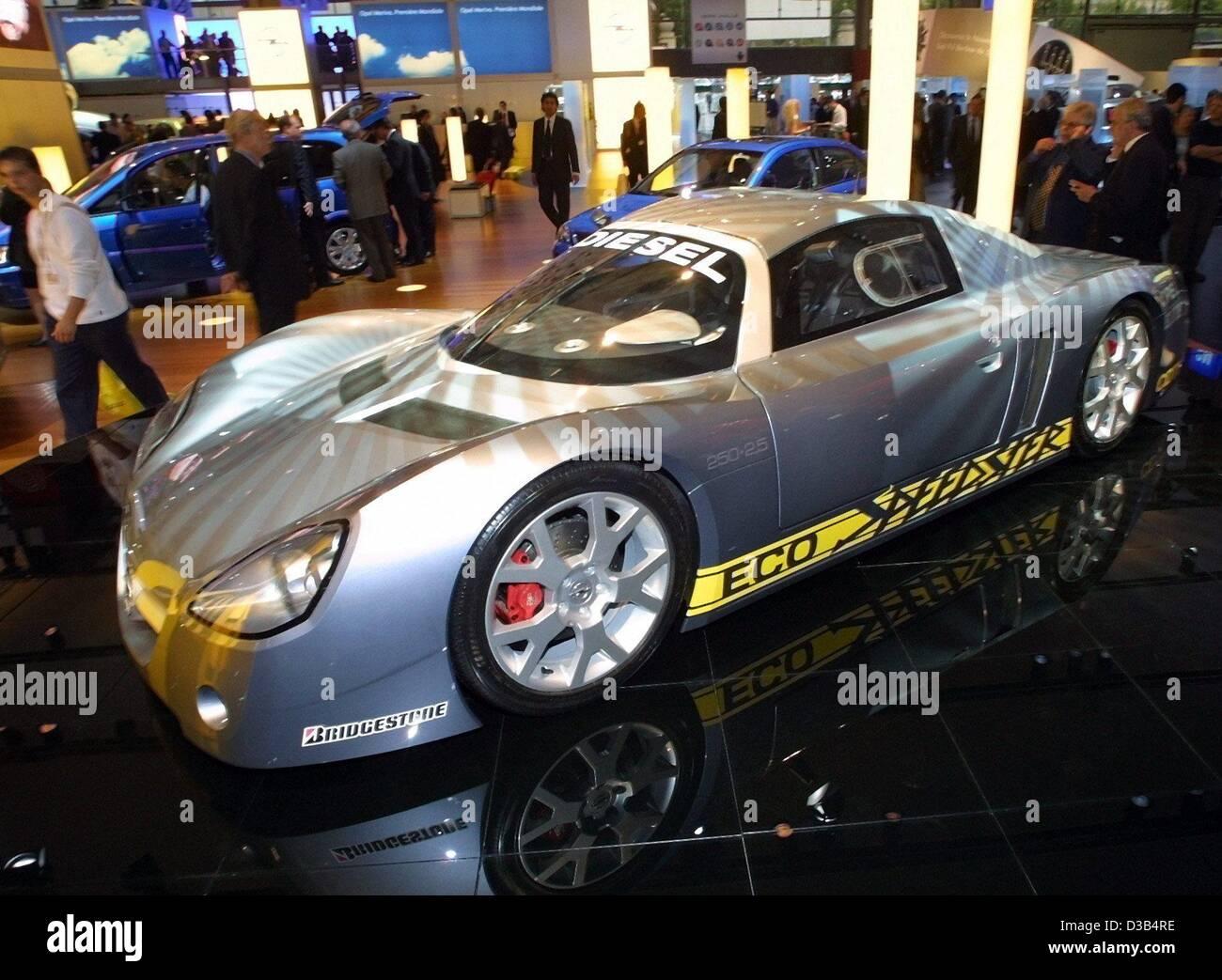 (Dpa) - Opel präsentiert den neuen ökologischen Sportwagen Eco Speedster auf der Auto Show in Paris, 26. Stockbild