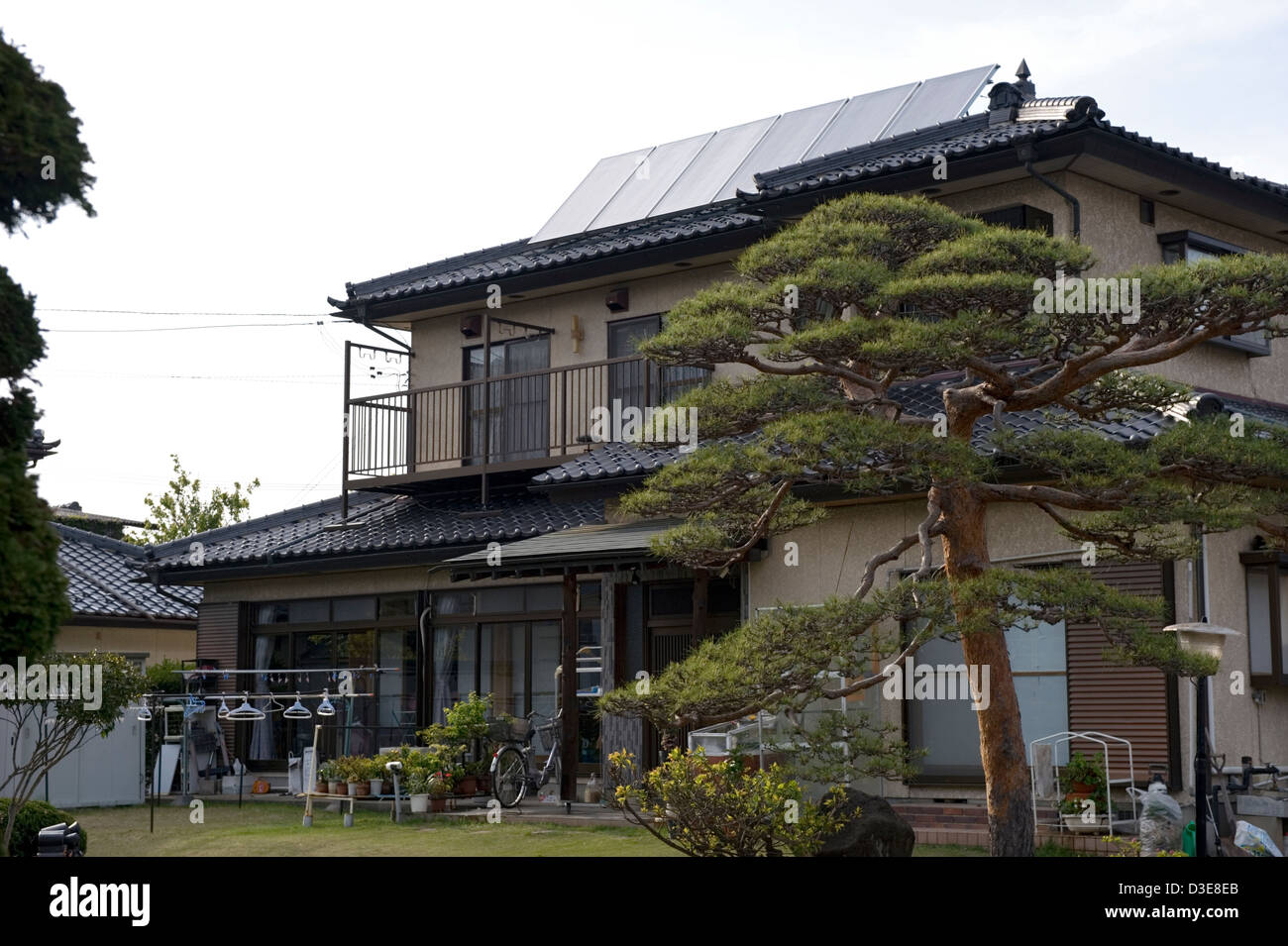 Japanisches Dach ceramic tile roof stockfotos ceramic tile roof bilder