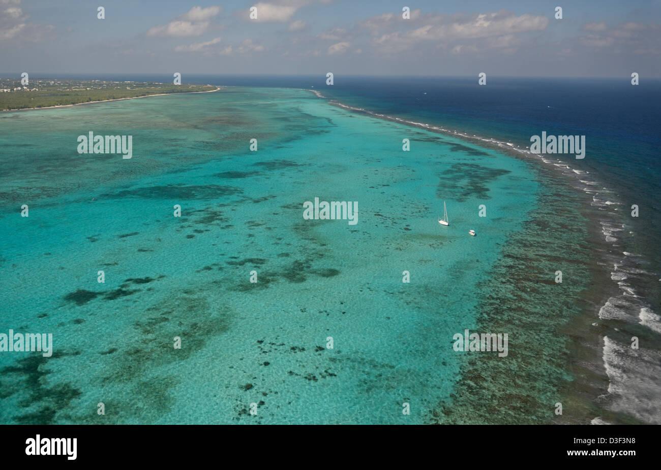Saumriff von oben, Grand Cayman, British West Indies. Stockbild