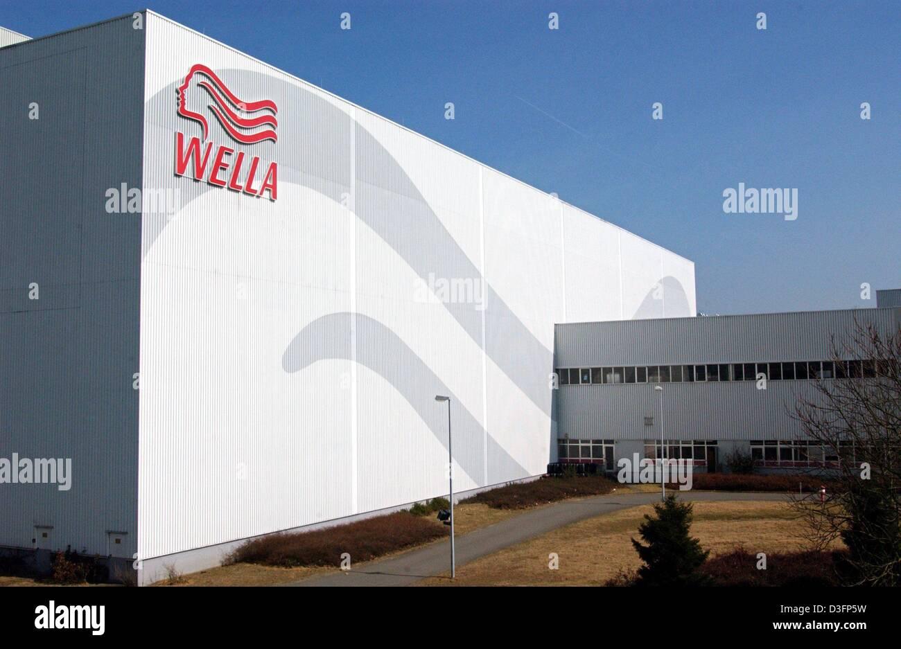 Dpa Ein Großes Lager Der Deutsche Kosmetik Corporation Wella