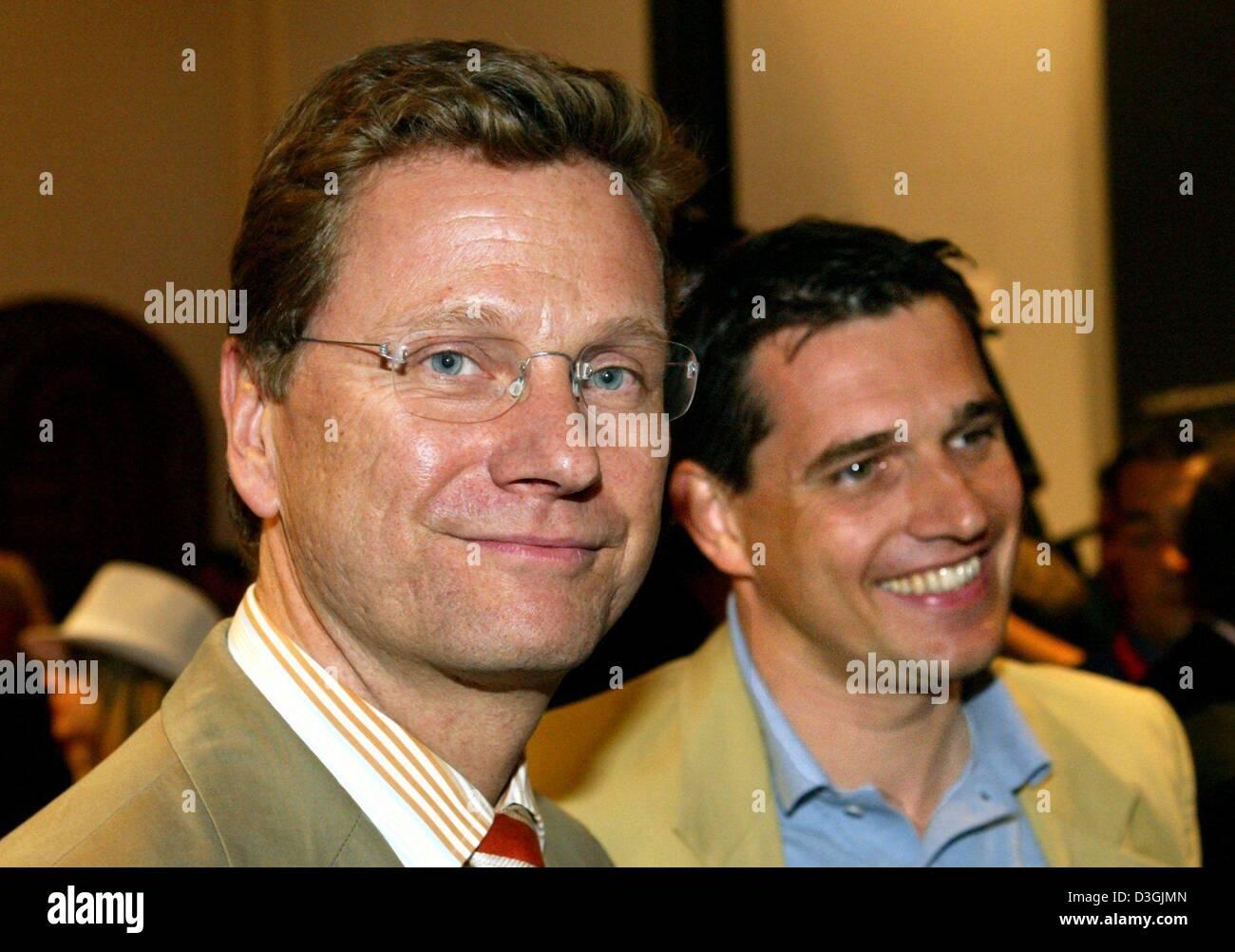 Dpa Liberale Partei Fdp Vorsitzender Guido Westerwelle L Und