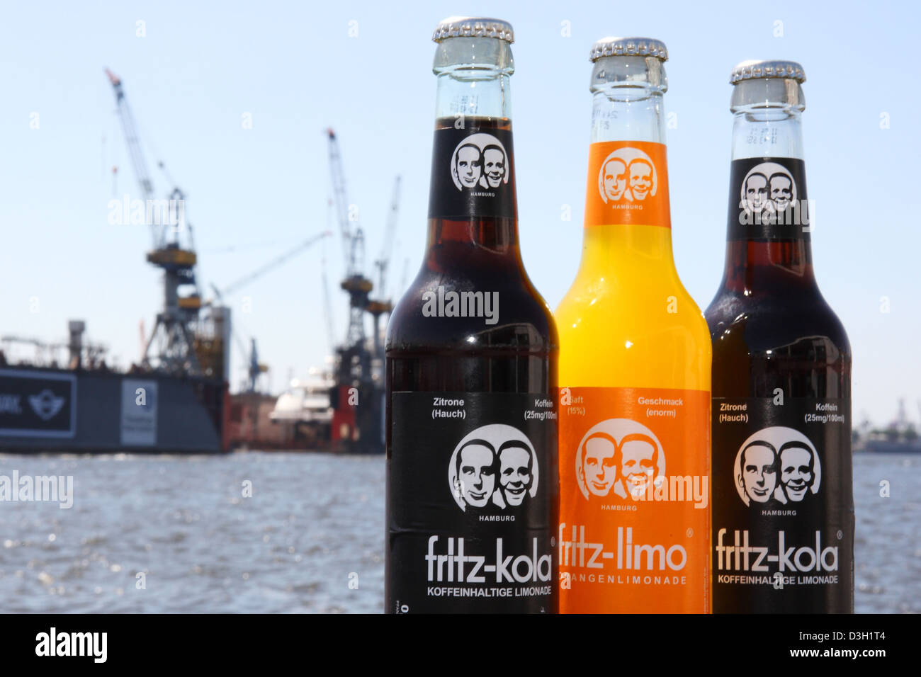 Hamburg, Deutschland, und Fritz Fritz-Kola-Limo-Flaschen im ...