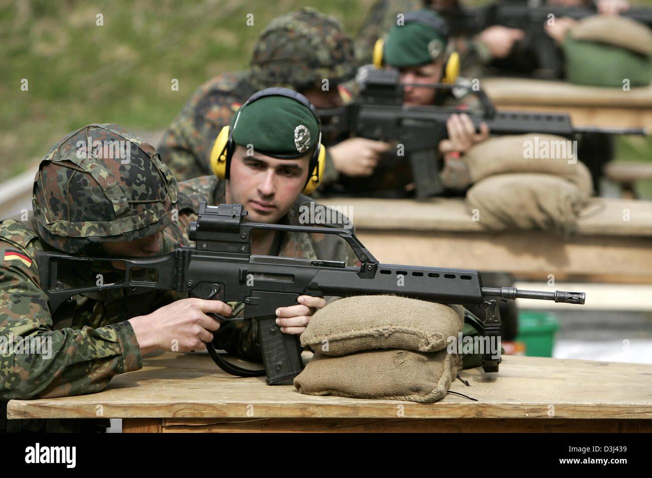Datierung eines Mädchens im Militär