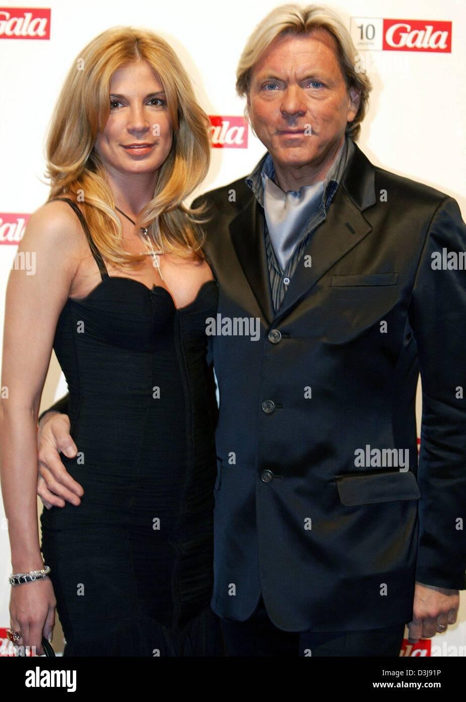 (Dpa) - Modeunternehmer Otto Kern und seine Frau Dana stellen während der  10- 9f5c9785ee