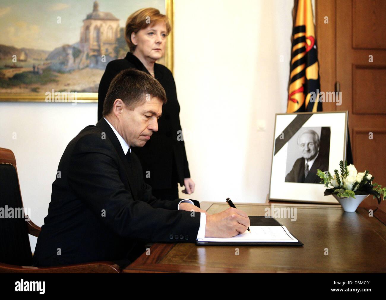 With Husband Johannes Stockfotos & With Husband Johannes Bilder - Alamy