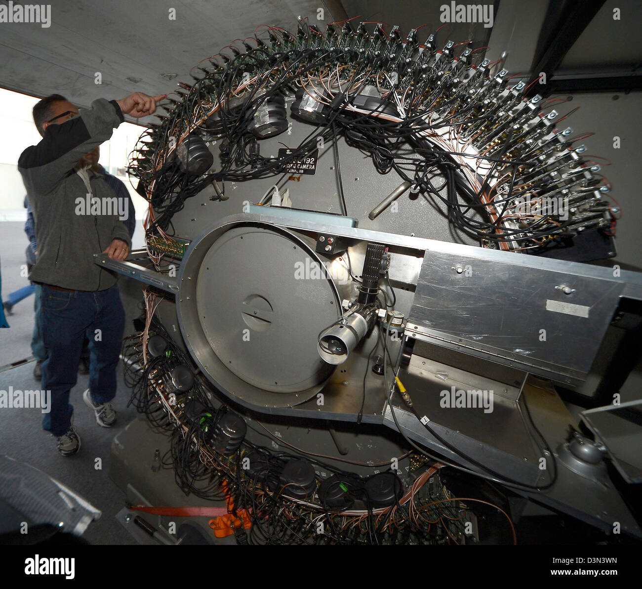Schwerer Sturm/Blitz Forscher und Tornado Chaser verleiht Tim ...