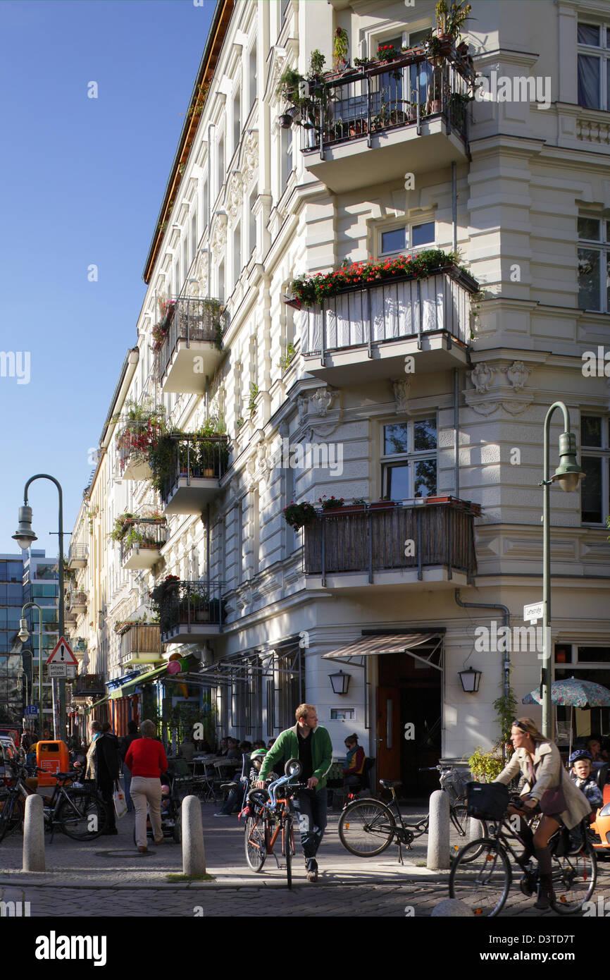 Berlin Deutschland Renovierte Gebäude In Der Straße Lychener Am