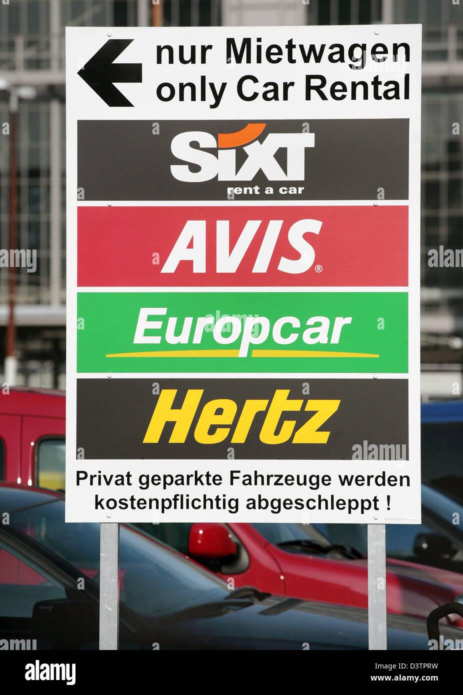 Eine Strasse Zeichen Zeigt Parkplatze Der Autovermieter Sixt
