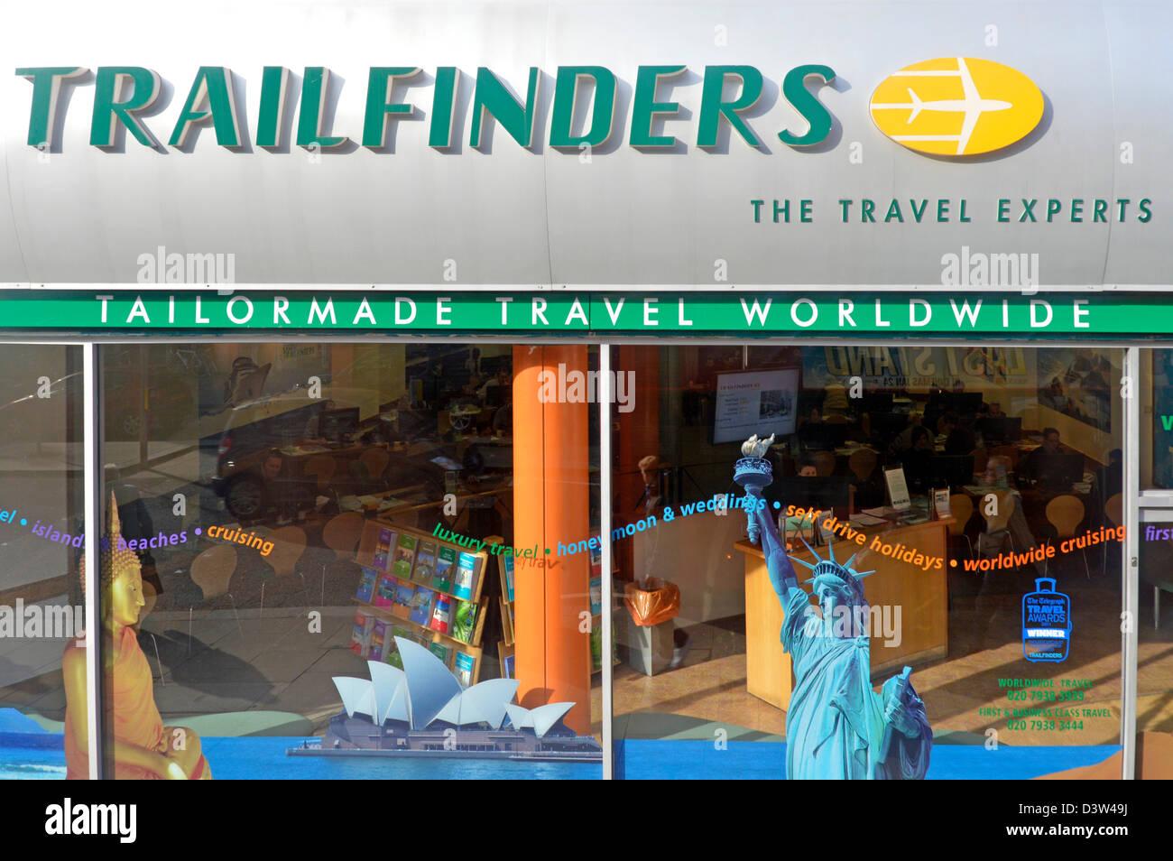 Reisebüros/Reisevermittler Trailfinders Shop Frontscheibe Stockbild