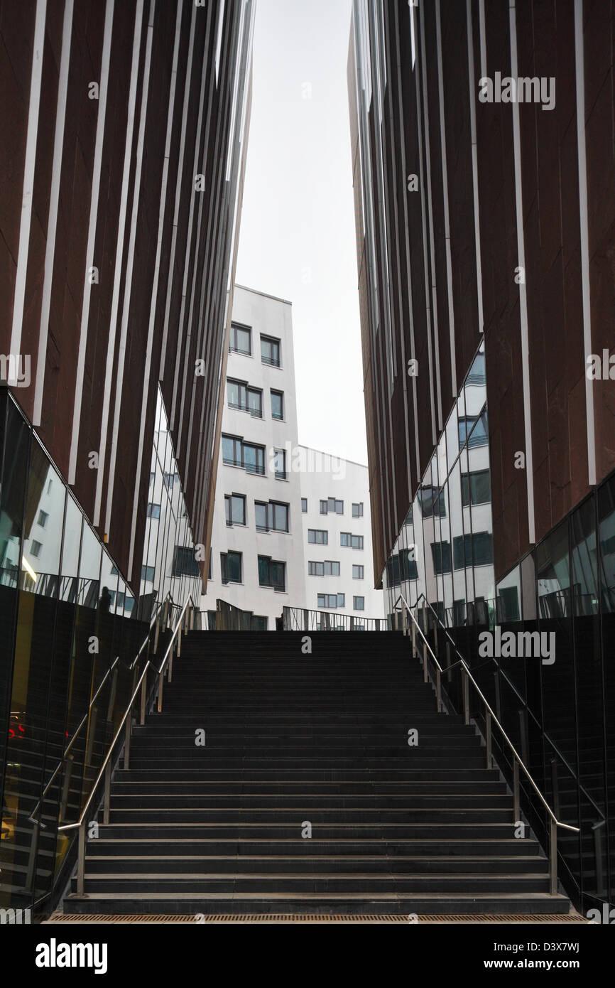 Treppe Hamburg hamburg deutschland eine treppe zwischen schrä wänden des