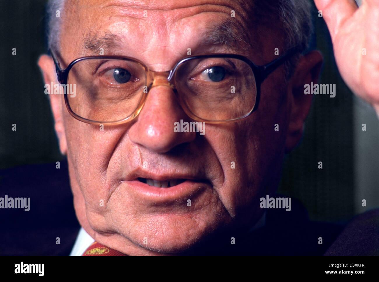 Milton Friedman (1912-2006) der 1976 amerikanischen Nobelpreisträger für Wirtschaftswissenschaften.  Fotografiert Stockbild