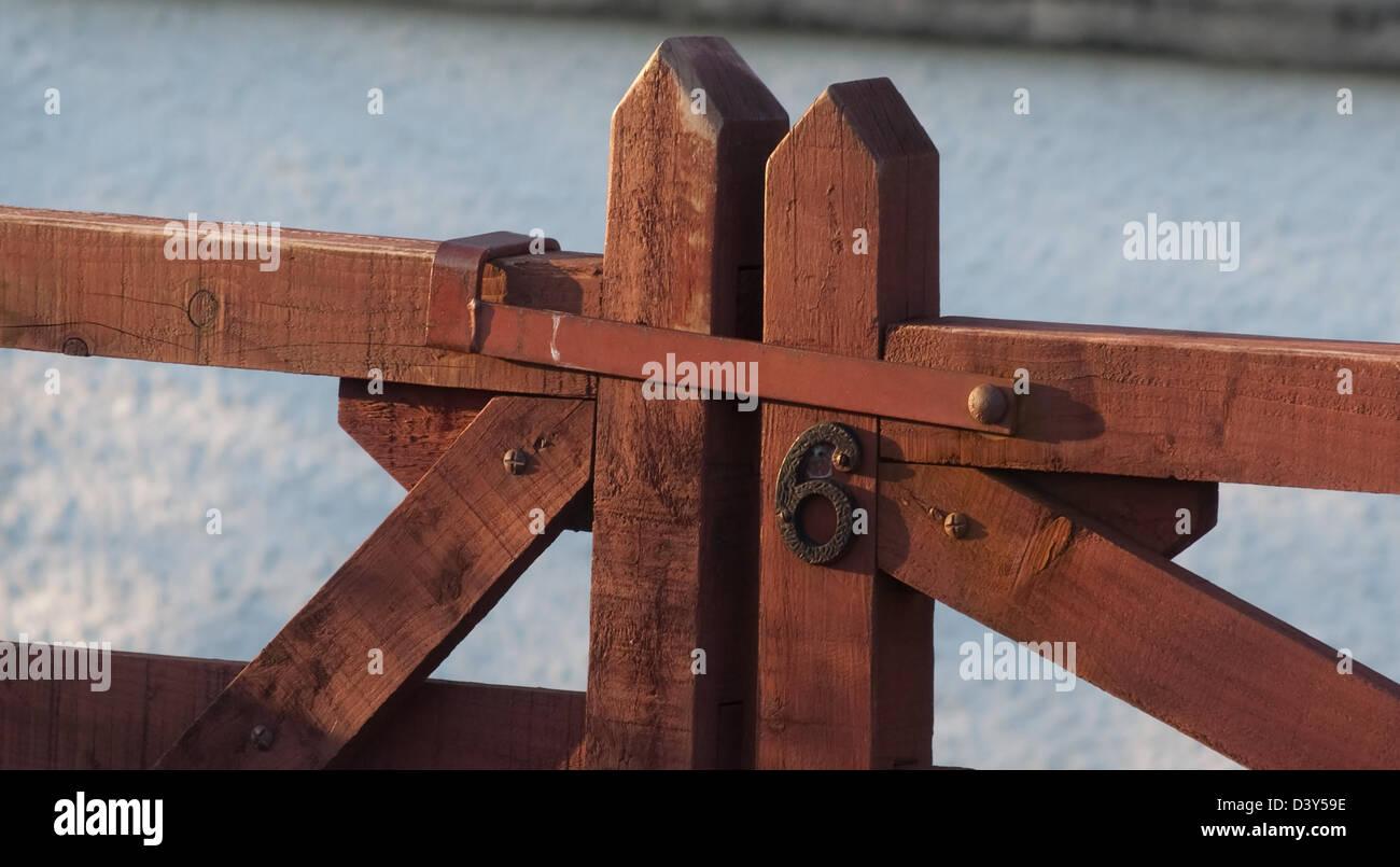 tor-verriegelung stockfoto, bild: 54071962 - alamy