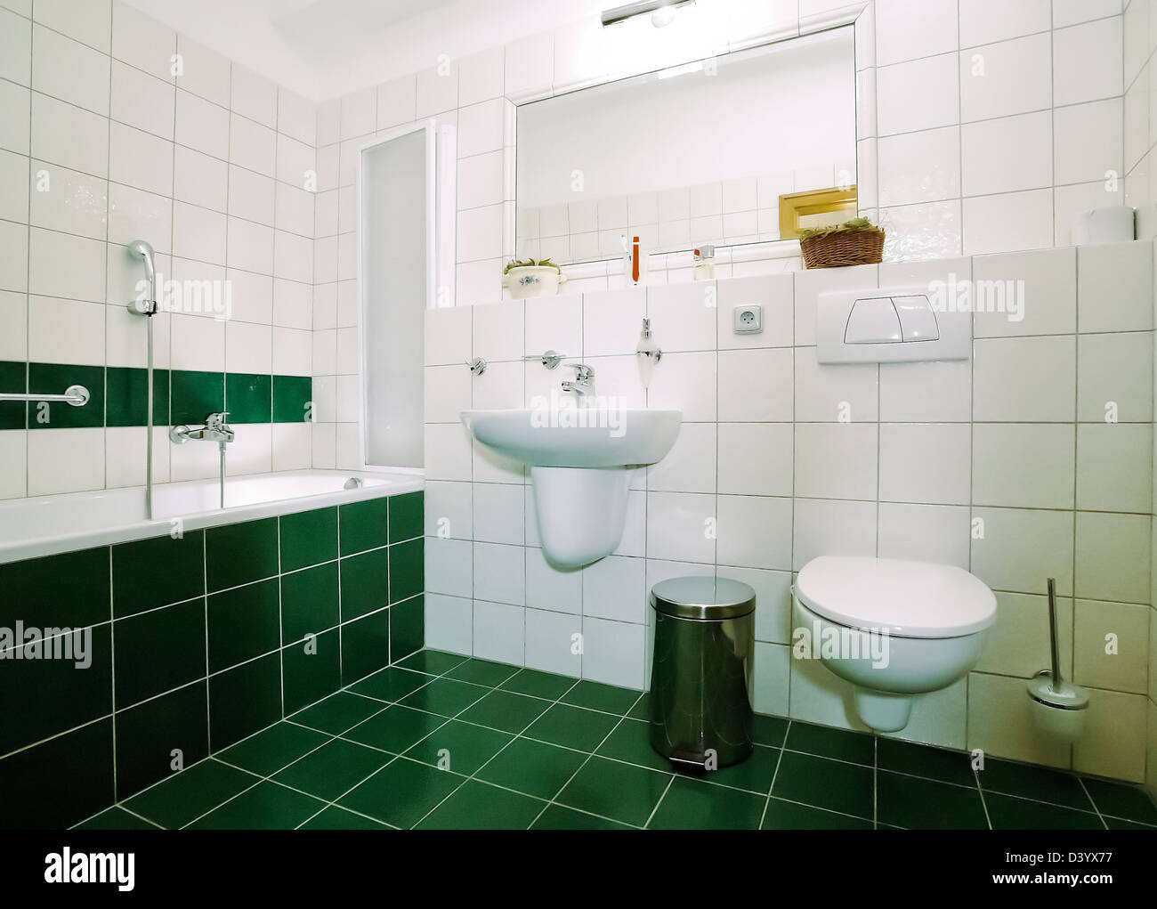 Light Green Bathroom Stockfotos Light Green Bathroom Bilder