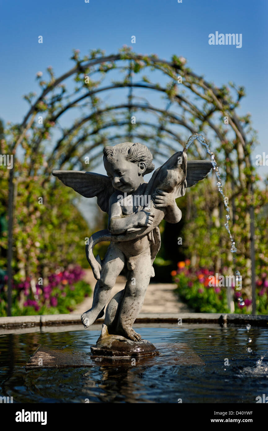 grafgarten, brunnen-statue des eros in der sammler graf garten am arundel castle, Design ideen