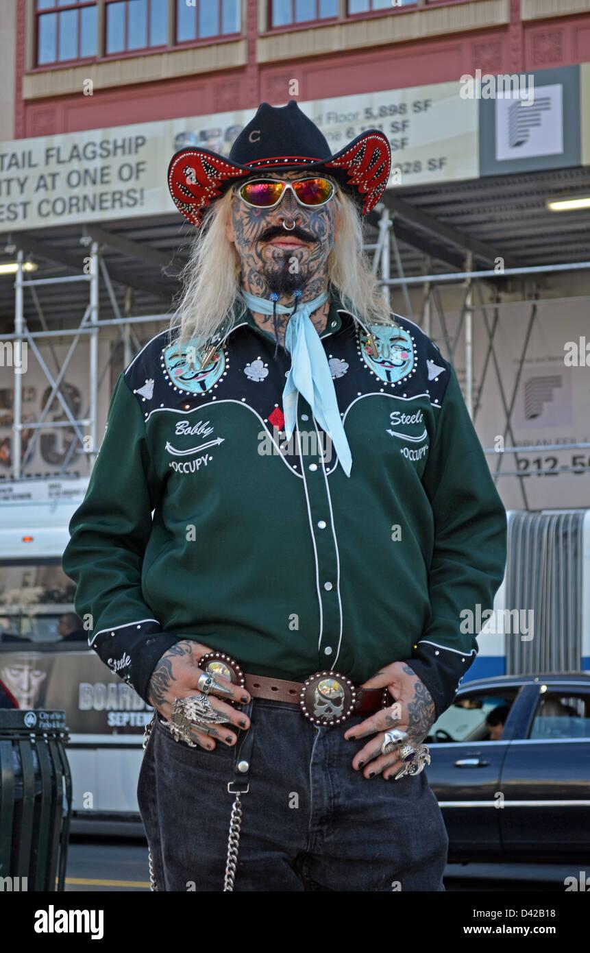Rebellieren Sie Bobby Steele eine Occupy-Wall-Street-Demonstrant, der eine Wall-Street-Händler seit 35 Jahren Stockbild