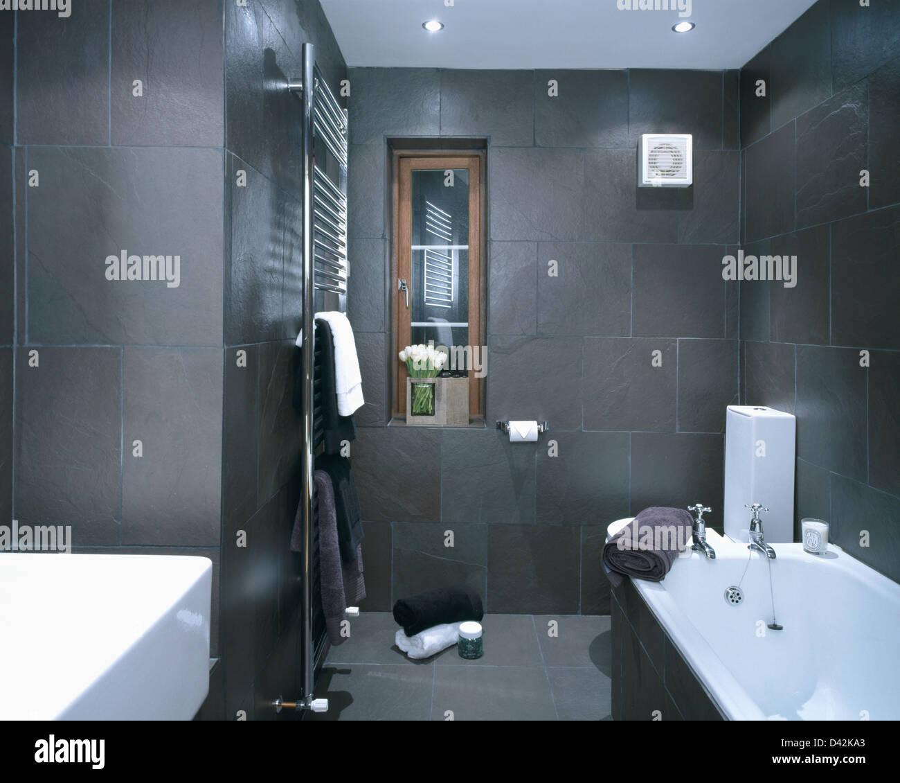Holzkohle graue Schiefer geflieste Wände im Badezimmer moderne ...