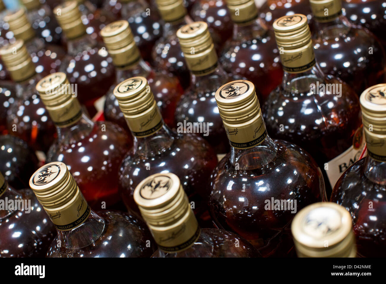 Bacardi Rum auf dem Display an einem Costco Wholesale Warehouse Club. Stockbild