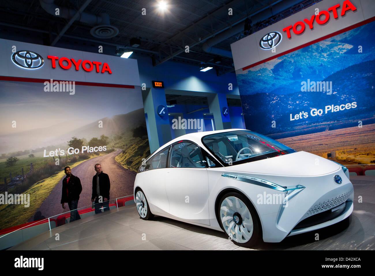 Ein Toyota FT-Bh Hybrid Concept Car auf dem Display an der 2013 Automesse in Washington, DC. Stockbild