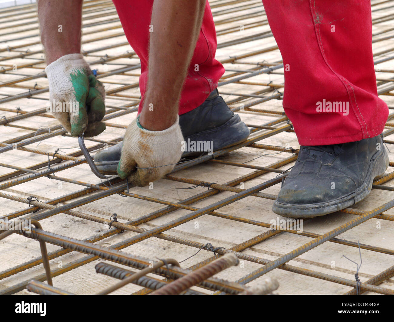 Steel Bar Hands Stockfotos & Steel Bar Hands Bilder - Alamy
