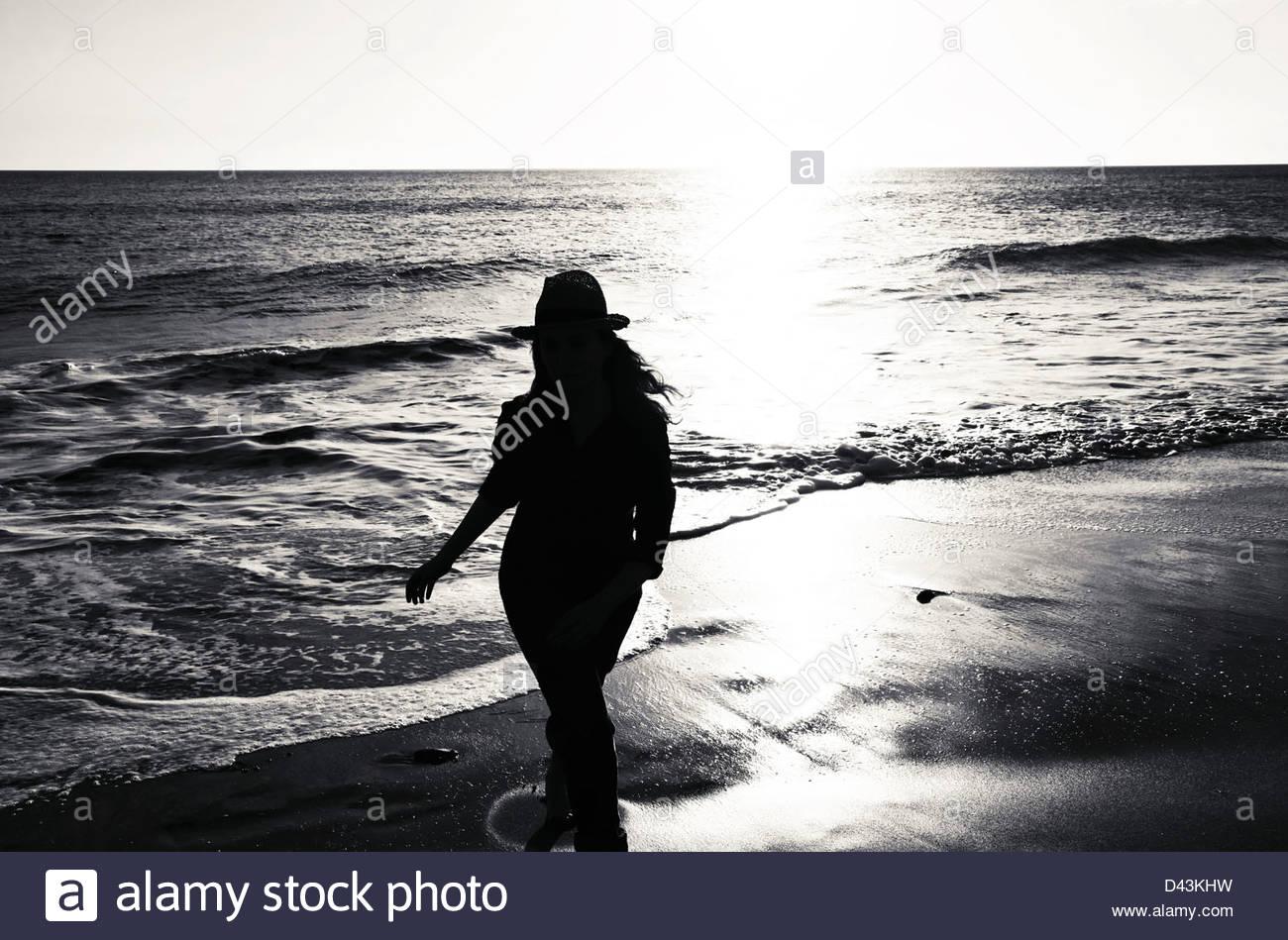 Silhouette der Frau Stockbild