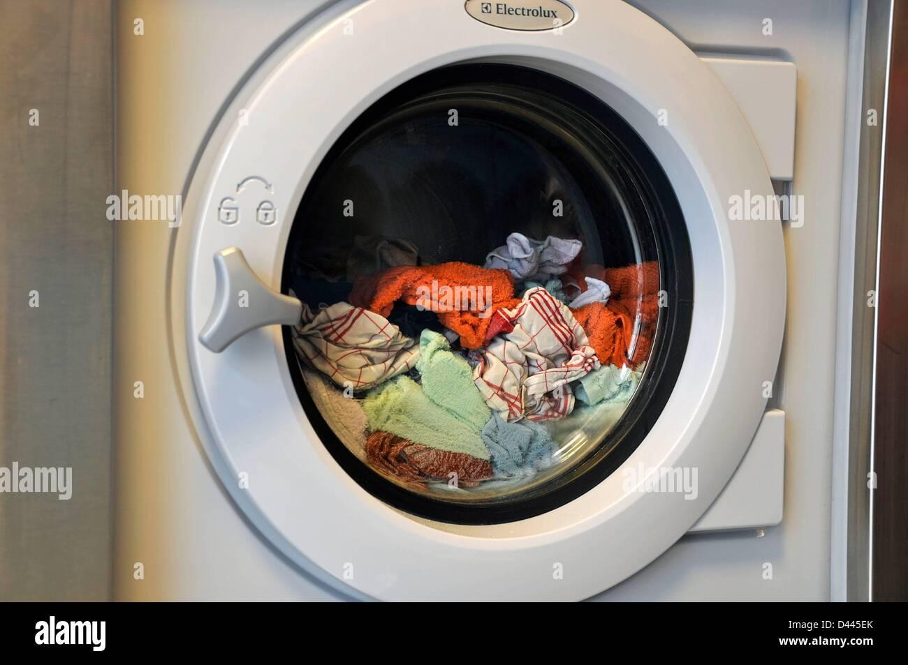 waschmaschine stockfotos waschmaschine bilder alamy. Black Bedroom Furniture Sets. Home Design Ideas