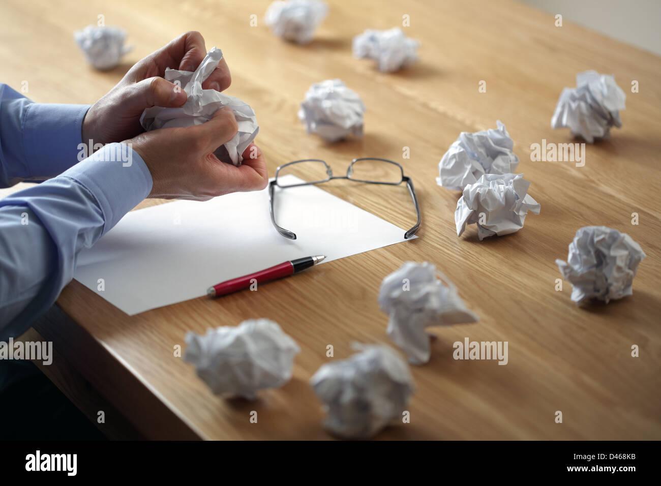 Frust, Stress und Schriftsteller block Stockbild