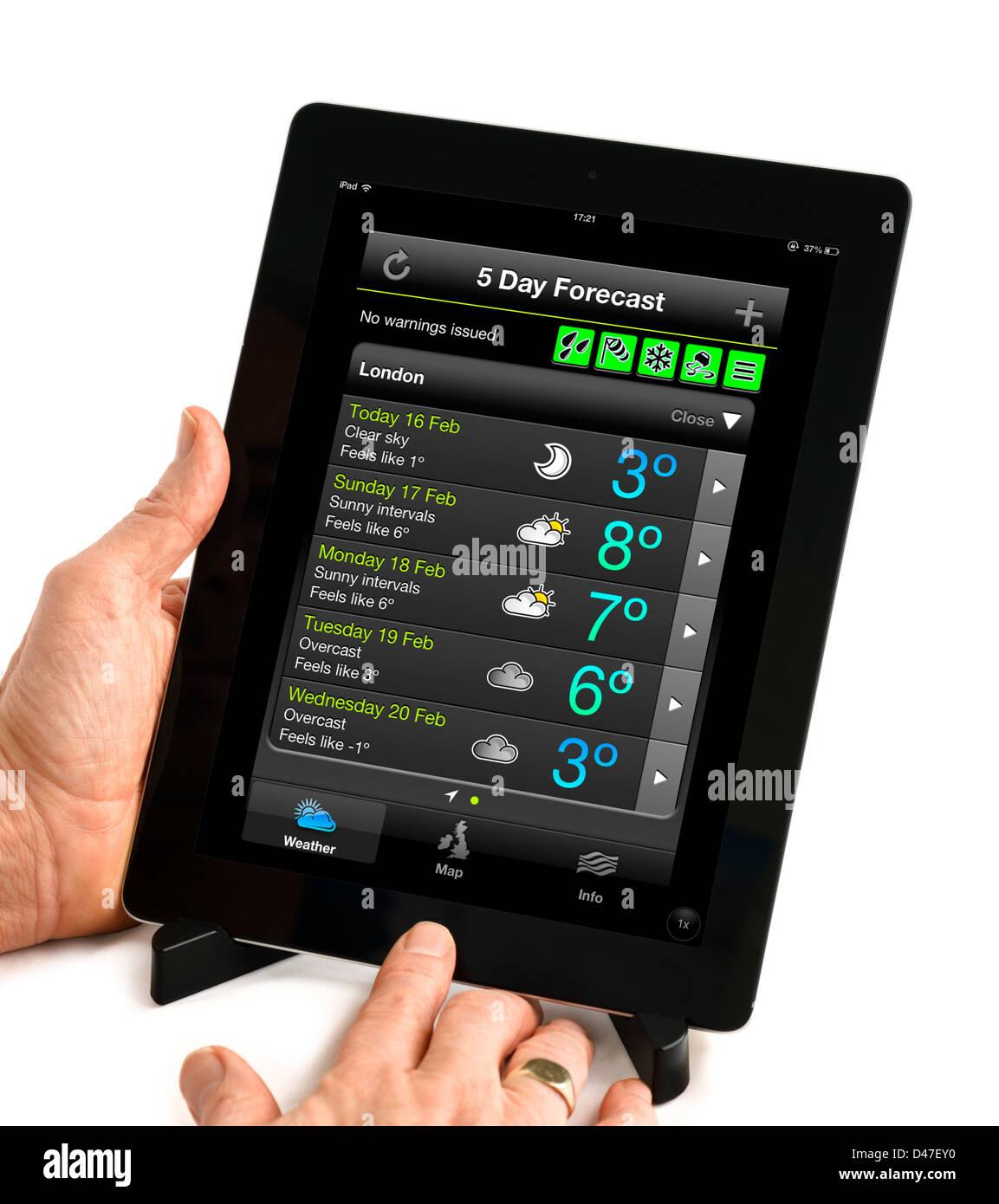 Die UK Met Office 5 Tagesvorschau über die Wetter-app betrachtet auf einem iPad 4, UK Stockbild