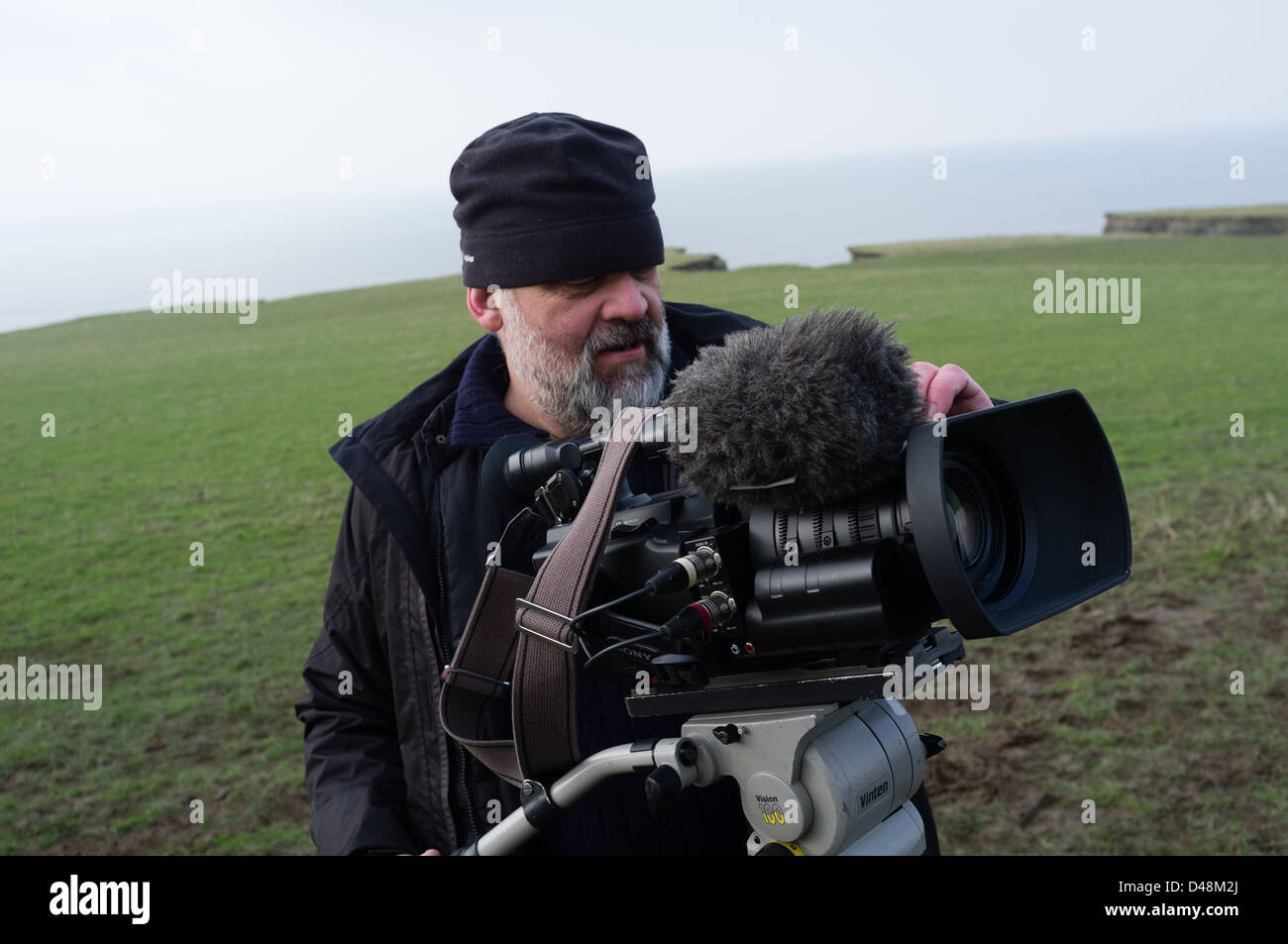 Eine professionelle Kamera Mann Besatzung Videofilmen mit einem Sony ...