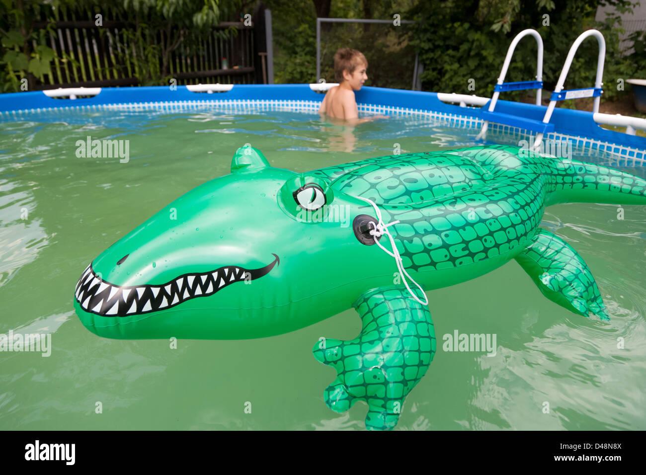 Aufblasbarer Pool Garten ...