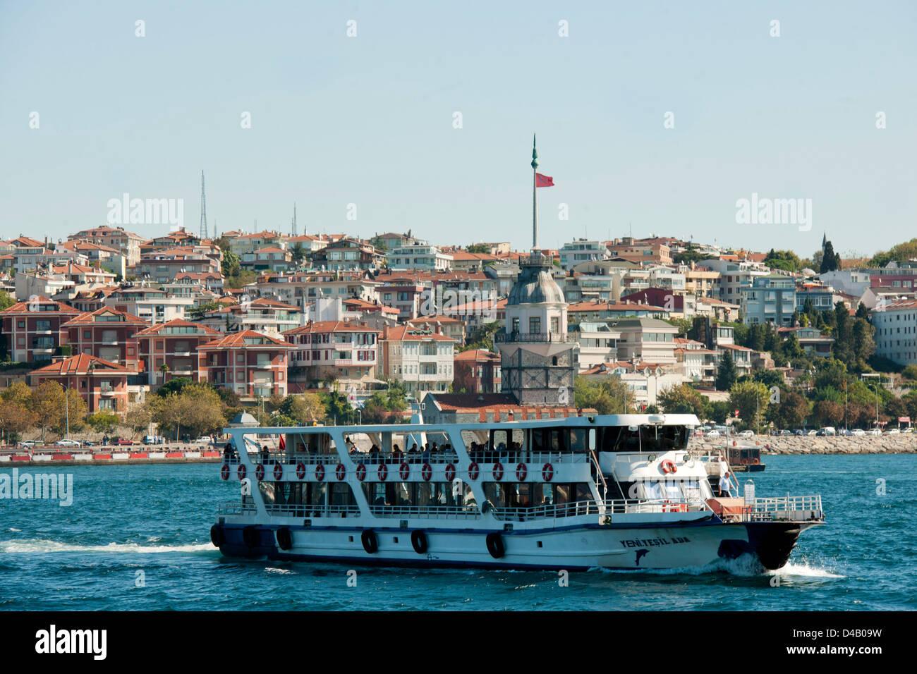 Ägypten, Istanbul, Üsküdar, Fährschiff Vor Dem Leanderturm (Türk. Kiz Kulesi, Mädchenturm) Stockbild