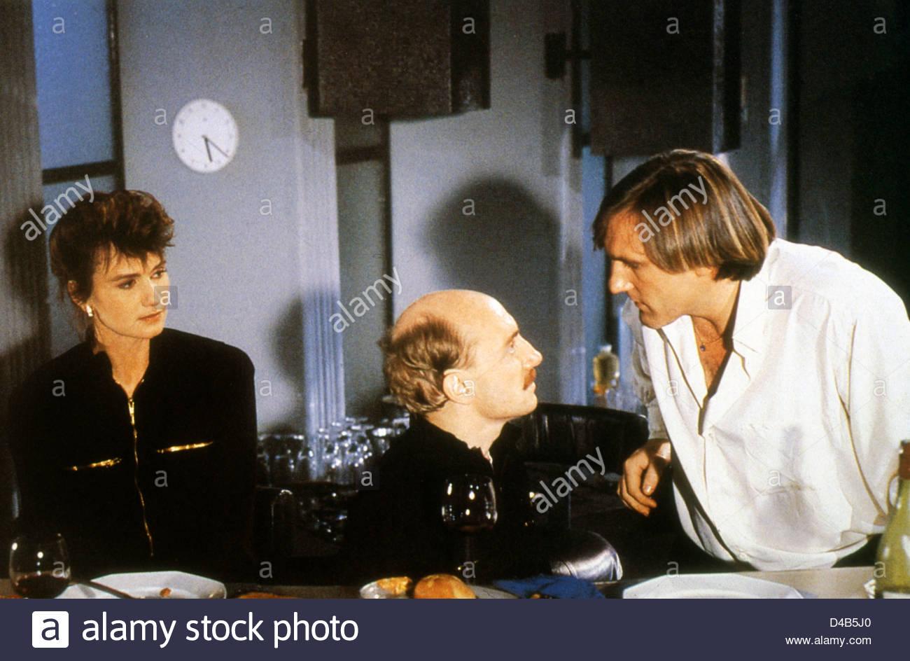 TENUE DE SOIRÉE (1986) MENAGE (ALT) MIOU MIOU MICHEL BLANC GERARD DEPARDIEU BERTRAND BLIER (DIR) TDS 001 MOVIESTORE Stockbild