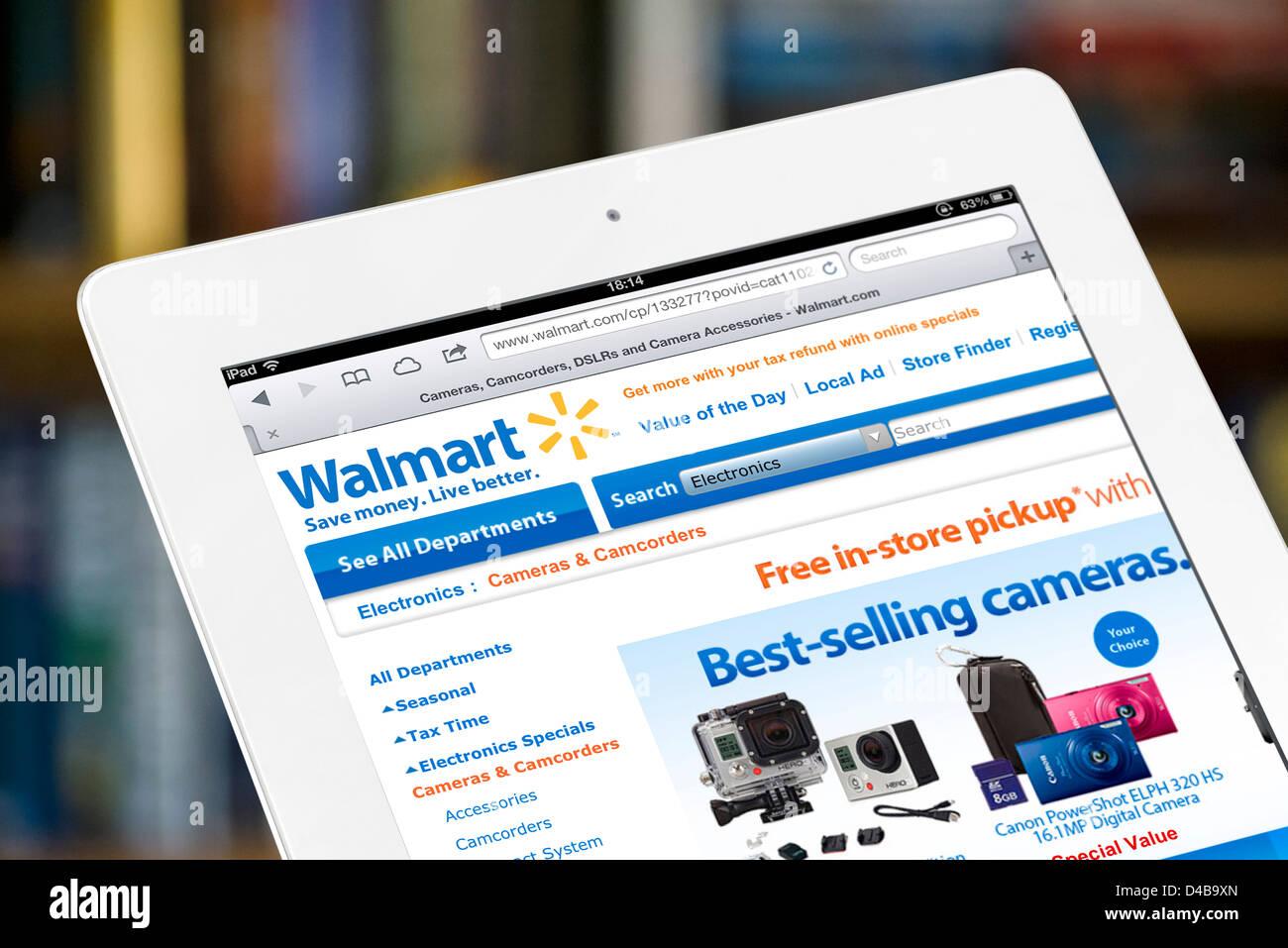 Online-Shopping auf der Website von Walmart.com, USA Stockbild