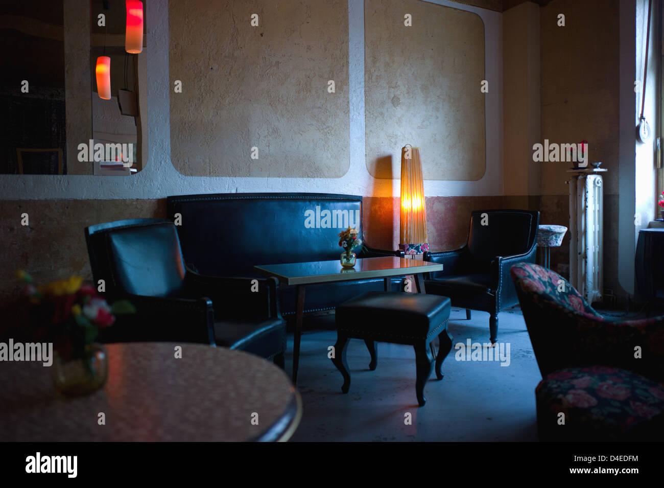 Berlin, Deutschland, Anlage Cafe Szene im Wohnzimmer Stockfoto, Bild ...