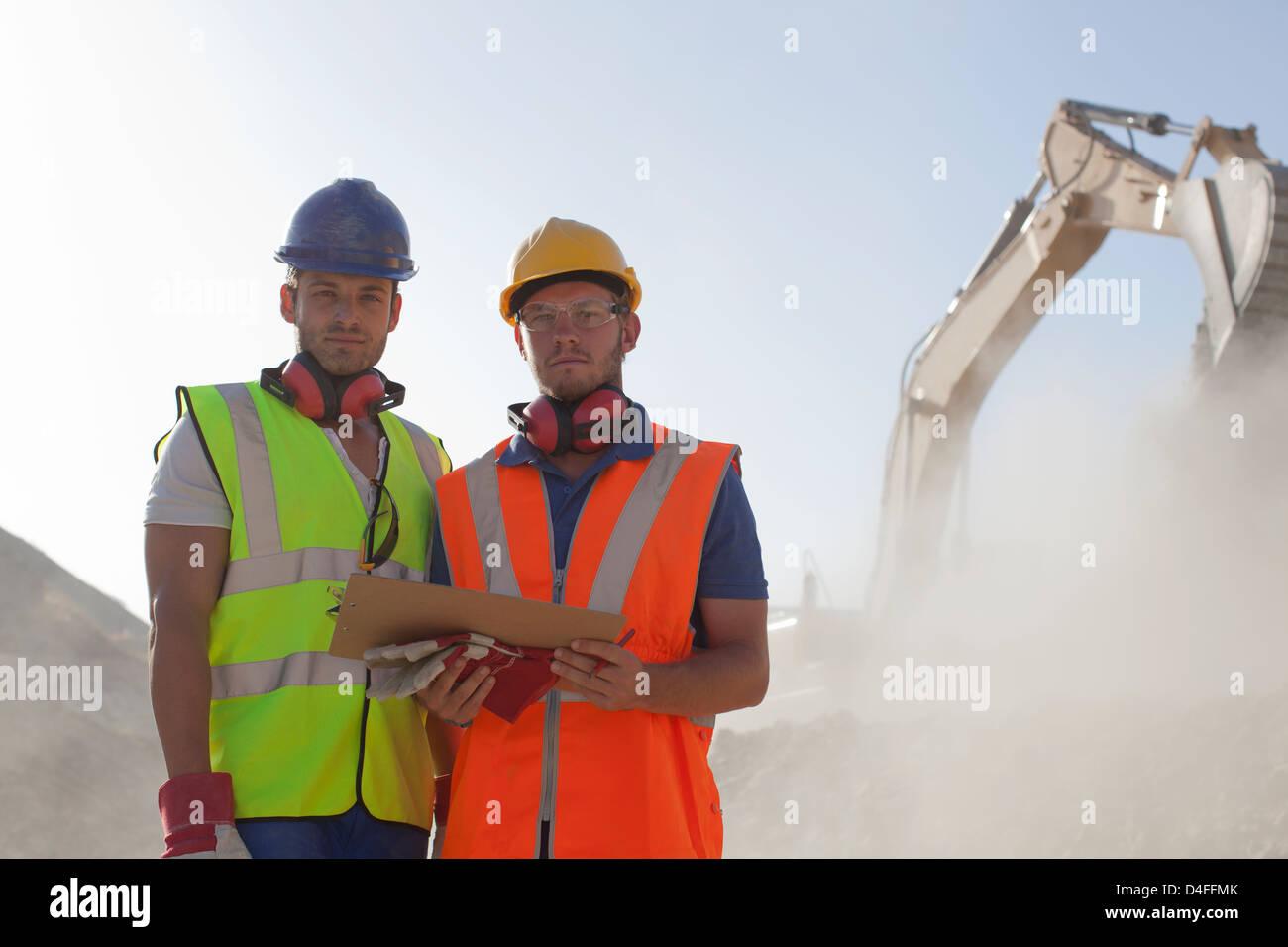 Arbeiter im Steinbruch Stockfoto